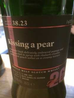 The Dramble reviews SMWS 38.23 Kissing a pear